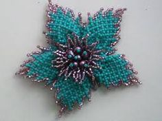 Pendant tutorial and Schema. Seed Bead Flowers, Beaded Flowers, Seed Bead Jewelry, Bead Jewellery, Free Beading Tutorials, Do It Yourself Jewelry, Beaded Crafts, Beaded Jewelry Patterns, Beaded Brooch