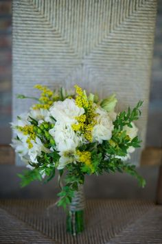 Simple elegant white & yellow bouquet. The colors I want. Along with a pale green