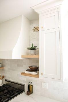 White Cabinets White Countertops, Backsplash Kitchen White Cabinets, Quartz Kitchen Countertops, White Shaker Cabinets, Kitchen Tiles, Inset Cabinets, Backsplash Tile, White Oak Kitchen, Off White Kitchens