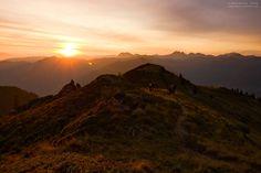 Sonnenaufgang am Schuhflicker im Großarltal im Salzburger Land. Herrliche Morgenstimmung über dem Liechtensteinkopf. Austria, Mountains, Nature, Travel, Pictures, Sunrise, Landscape Pictures, Naturaleza, Viajes