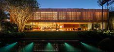 Brazilian modernism by Studio mk27 - exterior night