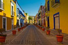 Callejon de los Sapos en el Centro Historico de Puebla, Mexico