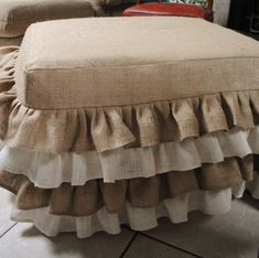cute idea for a ruffled burlap ottoman cover. I would use all one color rather than multi. Burlap Ottoman, Ottoman Slipcover, Slipcovers, Burlap Projects, Burlap Crafts, Fabric Crafts, Home Crafts, Diy Home Decor, Burlap Fabric