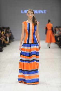 LARA QUINT SS'15. Slim silhouette slightly drop waist sleeveless maxi dress made of black cotton-polyester with transparent elements that form horizontal strips. #LaraQuint #collection #dress #stripes #colours #fashion #style #fashionstyle #look #outfit #runway #catwalk #model #pretaporter #apparel #fashiondesigner #fashiondesign #print #details #detail #ss15