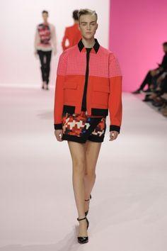 Tendências Semana de Moda de Paris – Primavera/Verão 2013: Dia 07 http://www.modalogia.com/2012/10/01/tendencias-semana-de-moda-de-paris-primaveraverao-2013-dia-07/