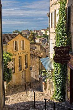Medieval Alley, Saint-Émilion, Aquitaine, France