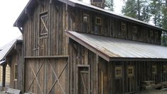 board and batten siding Old Barn Wood Home Decor Barn Siding, Exterior Siding, Wood Siding, Old Barn Wood, Rustic Barn, Wooden Barn, Rustic Cabins, Board And Batten Exterior, Barn Garage