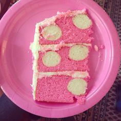 Minnie Mouse polka dot birthday cake
