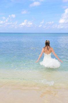 trash the dress photos + water   trash-the-dress-caribbean-wedding-mantone-main-trash-the-dress ...