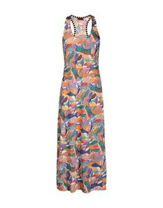 Long viscose dress with stylized fish print and scoop neckline. Soft fit