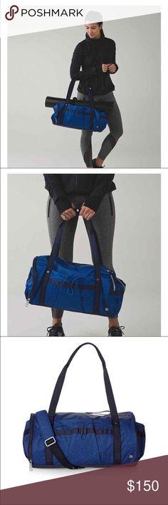 Lululemon bag nwt Perfect size bag lululemon athletica Bags