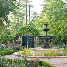 Garden with 'Old South' Style traditionalhome.com