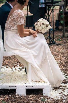 Stéphanie et son beau bouquet de mariée