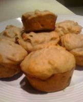 Vegan Banana Muffins - Basic Vegan Banana Muffins - 3 very ripe bananas, 1/4 cup oil or vegan margarine, softened,  1 cup sugar, 2 cups flour, 1 tsp salt, 1 tsp baking soda, 1 cup chopped walnuts (optional) Pre-heat oven to 360. Mash the bananas. Add the oil/vegan margarine and sugar and cream. In a separate bowl, combine together the flour, salt, and baking soda. Combine with the banana mixture, stirring gently just to combine. Grease or line a muffin pan. Bake 25 minutes.