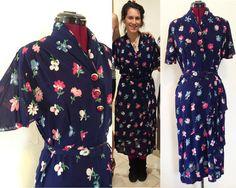 1940s Colorful Floral Dress w Belt / Floral Pattern 1940s