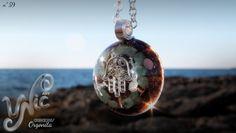 Orgonita nº 59 por Unic Art en Etsy  #orgonependant #orgonejewelry #orgoneenergy #etsyseller #etsygifts #resinjewelry #orgonit #orgonita #energypendant #handmadejewelry #reikijewelry #hamsahandpendant