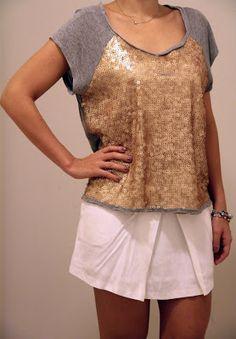 Camiseta Paete Dourado Shoulder - Café Brechó Online - Comprar e Vender