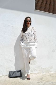 a white story http://fashionreactor.com/index.php/en/categories/fashion/outfits/345-a-white-story