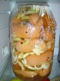 utopenci s cibulí a papričkou Pickles, Cucumber, Food And Drink, Pudding, Snacks, Meals, Canning, Chicken, Kitchen