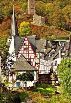 Beautiful World, Beautiful Places, Travel Around The World, Around The Worlds, Winter Girl, Great Hotel, Germany Travel, Where To Go, Old Town