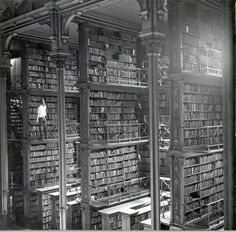Old Cincinnati Library, circa 1900