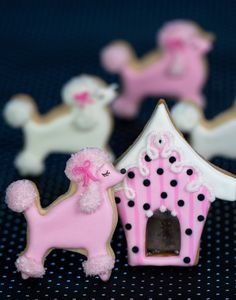 Poodle Cookies~ By Tartas Cakes Haute Couture, Pink, white, Dog house Cat Cookies, Fancy Cookies, Valentine Cookies, Royal Icing Cookies, Cupcake Cookies, Sugar Cookies, Poodles, Pink Poodle, Dog Cakes