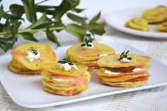 Millefoglie di patate e salmone, scopri la ricetta: http://www.misya.info/ricetta/millefoglie-di-patate-e-salmone.htm
