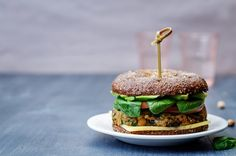 Burger au quinoa et patate douce, végétarien
