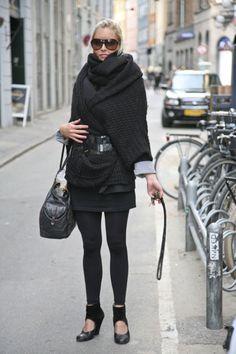 Layer upon layer, black upon black...but the whole ensemble looks good without being ridiculously bulky!