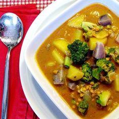 Brokkoli-Kartoffel-Curry mit Kokosmilch und roten Linsen #food #foodblog #foodporn #mitliebegekocht #curry #veggie