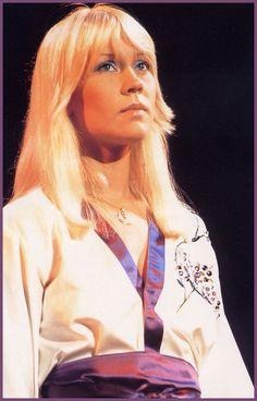 Agnetha in Poland wearing a famous Kimono 1976