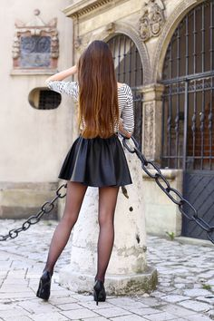 Mini Skirt Dress, Skater Skirt, Mini Skirts, Pantyhose Outfits, Nylons, Pantyhose Heels, Cute Tights, Girl Outfits, Cute Outfits