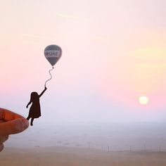 Because of you I get to experience ridiculously stunning moments like this. So thank you for taking an interest in what I do on here- it's great to have you with me on my travels ✋🏻 @Visit.Dubai #MyDubai #DubaiTomorrow #Dubai @Ballooning_UAE #BallooningUAE #PlatinumHeritage #TravelStoke #Travel @Instagram #BeautifulDestinations #HotAirBalloon #Sunrise #WanderLust #PassionPassport #Desert #Sand #Silhouette #Balloon #ArtOfVisuals #TravelAwesome #Culture #UAE #Sunrise #Shadows #ArabianDesert…