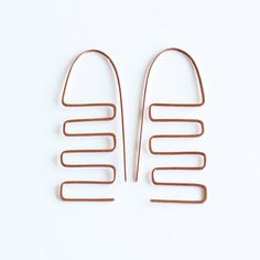 Minimalist geometric earrings  copper hand forged by intuicio