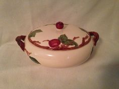 """Vintage Franciscan """"Apple"""" Covered Casserole / Serving Dish / Replacement / Collectible by ThePinkVintageRose on Etsy Vintage Dinnerware, Vintage Kitchenware, Vintage Dishes, Apple Kitchen Decor, Kitchen Decor Themes, Franciscan Ware, Apple Decorations, Vintage Pottery, Bowl"""