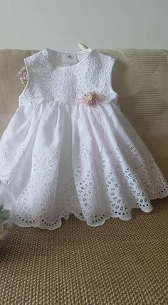 Nice for my beautiful Canelita. – Baby Kleidung – Join in the world of pin Frocks For Girls, Little Dresses, Little Girl Dresses, Flower Girl Dresses, Baby Dress Design, Baby Girl Dress Patterns, Baby Frocks Designs, Kids Frocks Design, Baby Girl Fashion