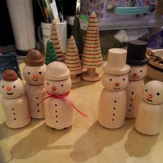 New wood turned Christmas trees and families of snowmen now in store! New wood turned Christm. Christmas Wood Crafts, Wooden Christmas Ornaments, Wood Ornaments, Christmas Trees, Lathe Projects, Cool Woodworking Projects, Woodworking Tools, Small Wood Projects, Wood Turning Projects