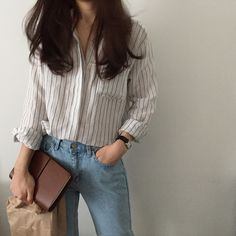 Korean Girl Fashion, Korean Fashion Trends, Ulzzang Fashion, Korean Street Fashion, Retro Fashion, Vintage Fashion, Casual Work Outfits, Simple Outfits, Classy Outfits
