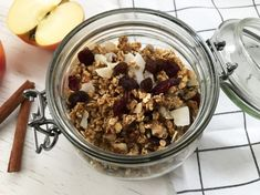 Domowa granola jabłkowa Granola, Acai Bowl, Cereal, Oatmeal, Breakfast, Food, Acai Berry Bowl, The Oatmeal, Morning Coffee