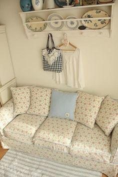 Soft sofa - love the colours.