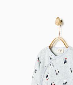 Imagem 2 de PIJAMA VELOUR PINGUINS da Zara