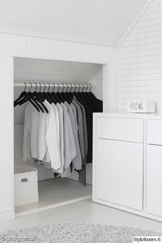 If you are lucky enough to have an attic in your home but haven't used this space for anything more than storage, then it's time to reconsider its use. An attic Attic Master Bedroom, Attic Bedroom Designs, Bedroom Loft, White Bedroom, Attic Bathroom, Attic Renovation, Attic Remodel, Attic Spaces, Attic Rooms