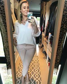 #blonde #makeup #pink #blouse #pants #heels #rings #imageconsultant #stylist #personalshopper #motivationalspeaker #saimage