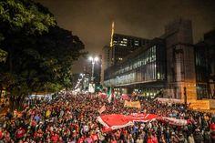 Avenida Paulista tomada pelo povo contra o golpe! 12/05/2016