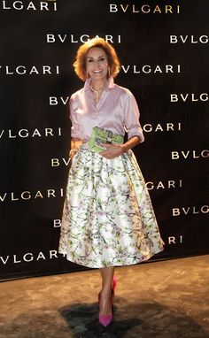 Naty Abascal                                                                                                                                                     Más Jw Fashion, Fashion Over 50, I Love Fashion, Modest Fashion, Fashion Dresses, Womens Fashion, Stylish Older Women, Older Women Fashion, Skirt Outfits
