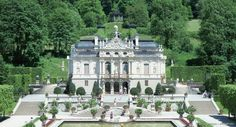 Le château de Linderhof fut construit entre 1 874 et 1 878.