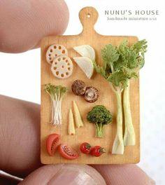 Miniature Arts. Food board from Nunu's House.