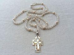 透かし彫りクロスのロングネックレス(カルセドニー) Brooch, Outfits, Jewelry, Fashion, Brooch Pin, Outfit, Jewlery, Moda, Jewels