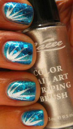 Karine's Vernis Club: Firework nails- nail art Garra, Fancy Nails, Pretty Nails, Firework Nails, Nailart, Manicure E Pedicure, Pedicures, Tips & Tricks, Nail Polish Designs