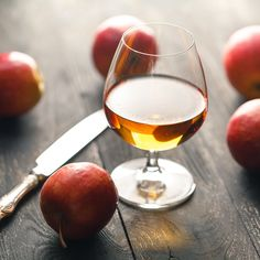Apple Cider Whiskey, Apple Bourbon, Apple Brandy, Smoked Whiskey, Brandy Recipe, Gimlet Recipe, What Is Apple, Washington Apple, Whiskey Brands